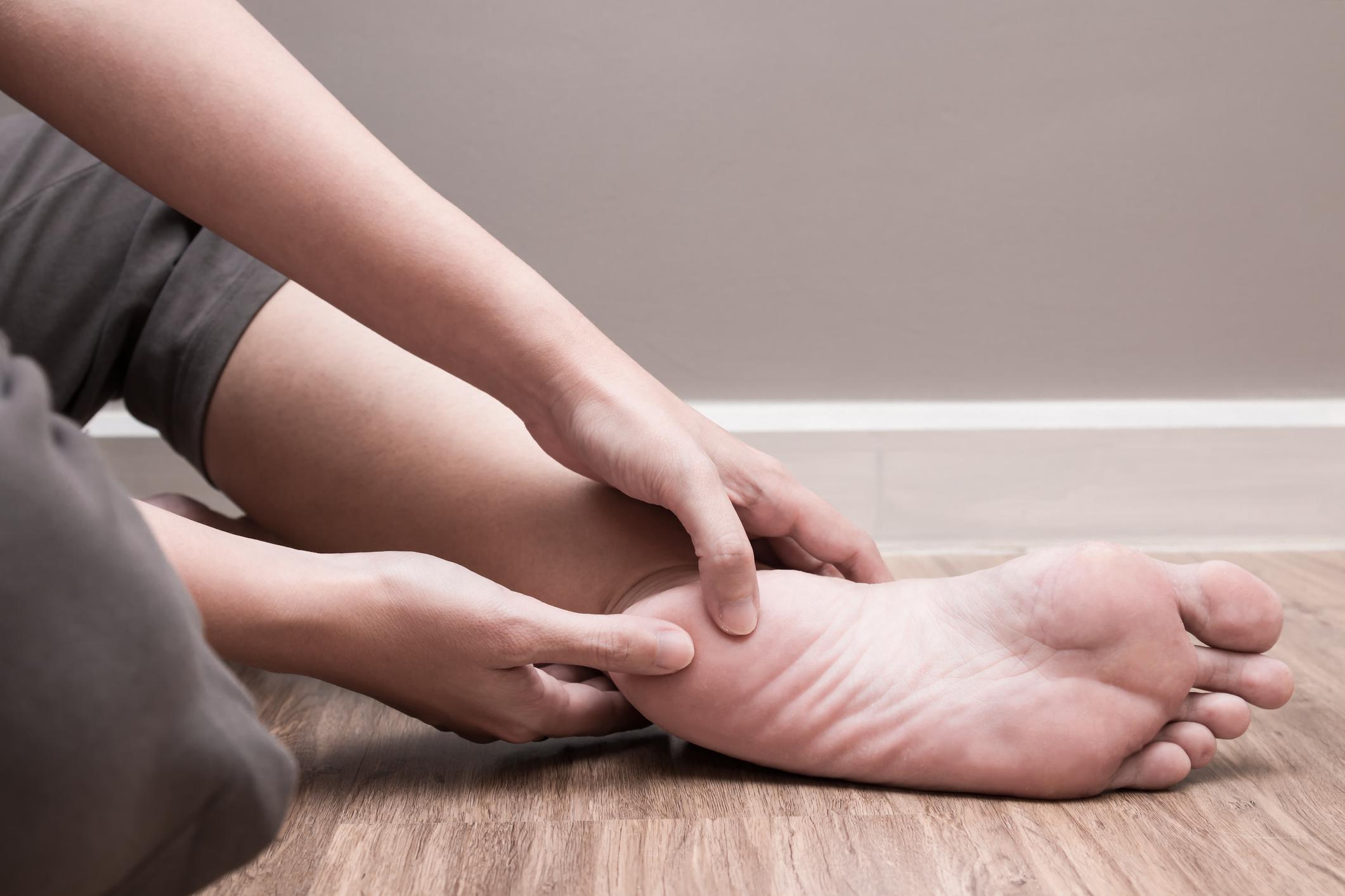 lába fekete a visszérektől hogyan lehet gyógyítani a visszerek a férfiaknál