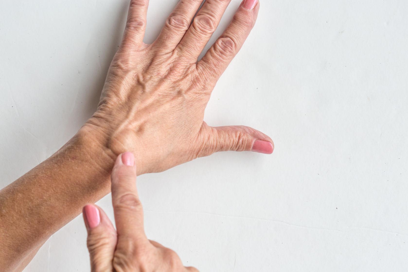 dudor a varikózis eltávolítása után népi gyógymódok a lábak súlyos visszérin